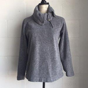 Lolë sweater